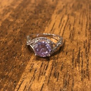 Size 6 lavender ring with circular twisted halo
